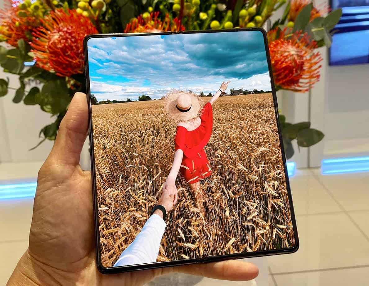 <a href='/galaxy/'>Galaxy</a> ZFold 3 Ekran Altı Kamera Teknolojisini Getiriyor!