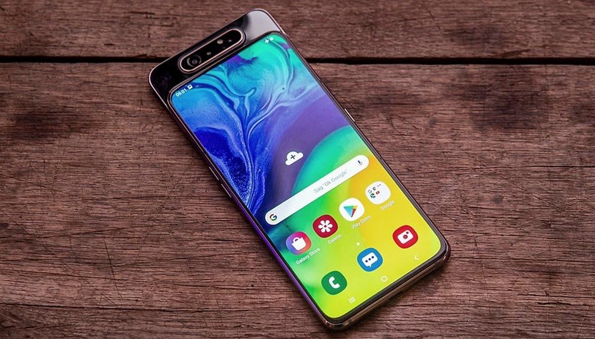 <a href='/samsung/'>Samsung</a> Galaxy A82: Dönen Lensli İlk 5G Akıllı Telefon Olacak!