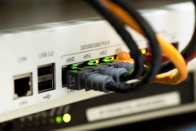 Ethernet Üzerinden Bağlanın (veya Wi-Fi'nizi Geliştirin)